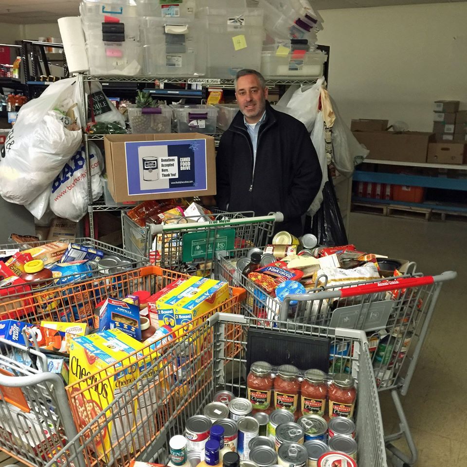 Realty Executives of Illinois collected hundreds of pounds of food during the 2014 Food Drive. Broker/Owner Bruce Vinnick of Realty Executives Great Lakes Region