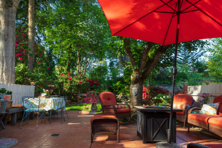 A backyard oasis showing an achievable home improvement project.