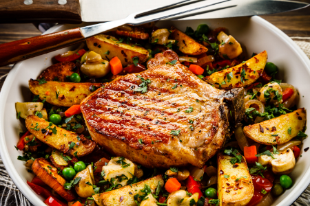 an easy one-pan fall meal of pork chops.